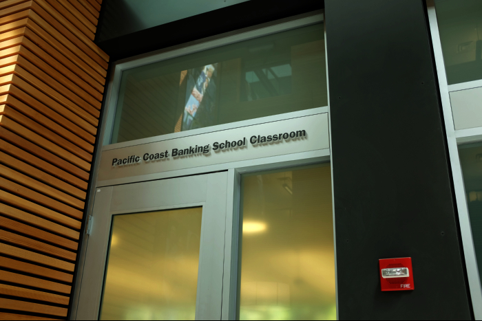 シアトル ワシントン大学 パッカーホール内部 フォスター ビジネススクール クラスルーム 20トル ワシントン大学 パッカーホール内部 フォスター ビジネススクール クラスルーム 201608