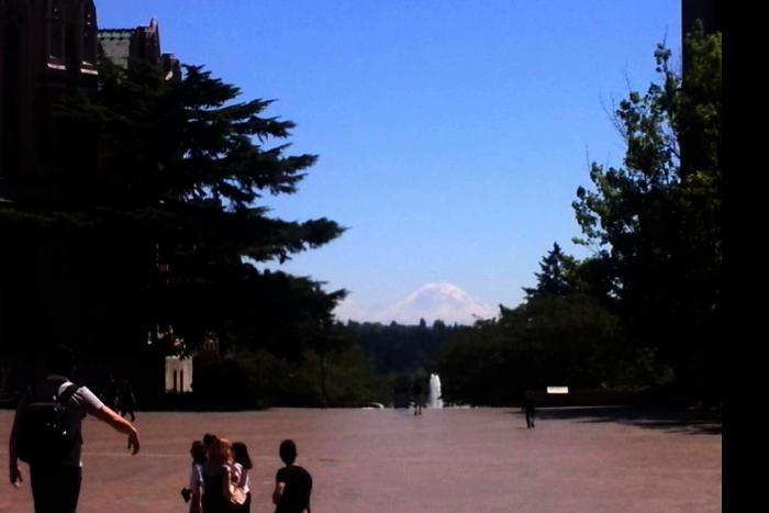 シアトル ワシントン大学 キャンパス 噴水周り マウント レーニア 0 201608