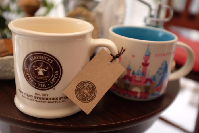 スターバックスコーヒー 1号店 & ディズニーランド マグカップ 1