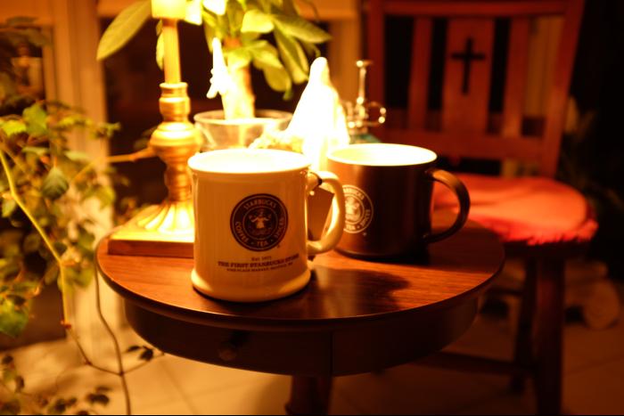スターバックスコーヒー 1号店 マグカップ 白&茶 2