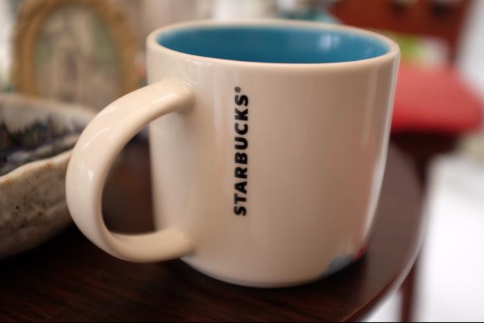 スターバックスコーヒー ディズニーランド マグカップ 2