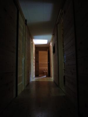 160414-3=朝日の入る枕流庵廊下