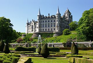 320px-Dunrobin_Castle_-Sutherland_-Scotland-26May2008_(2).jpg
