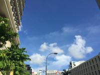 Cvq1_oNXEAAutrq那覇の「真夏日」