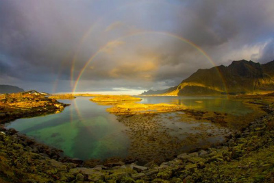 unusual-multiple-rainbow-norway-696x464.jpg