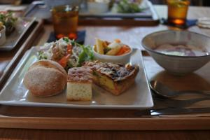 monoire lunch