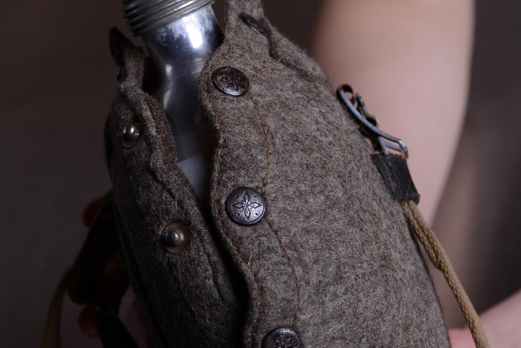 山岳猟兵用水筒/実物