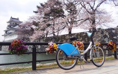 富山城と桜と自転車1_convert_20160421141500