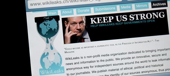 米選挙戦中のヒラリーに痛手「WikiLeaks」アサンジがメール3万通を暴露