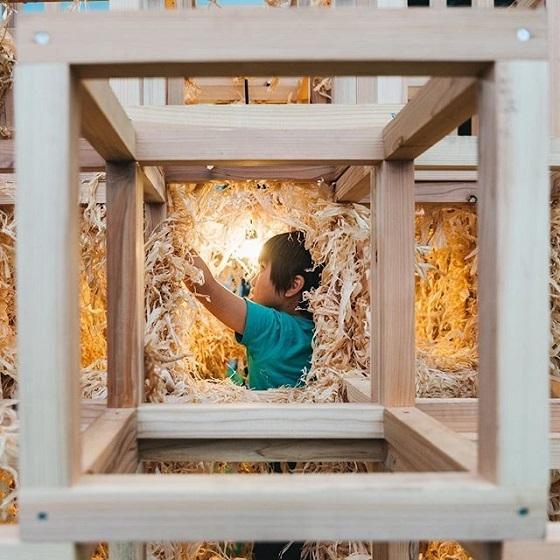 偏差値37の日本工業大学が「東京デザインウィーク」で木屑と投光器を使用!作品の火事で5歳児死亡