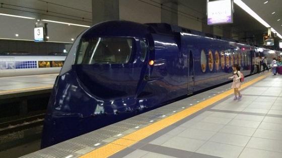 10月10日に南海電鉄で不適切な車内アナウンスがあったとされている件が議論になっているようです。(画像は南海電鉄の特急ラピート)