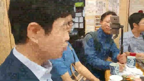【胸糞動画】韓国ネットTVが『市場ずし』にアポなし突撃取材 「営業妨害」と注意されてもお構いなしに撮影、店員に強引に謝らせる