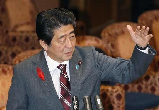 安倍晋三首相、二重国籍問題の民進・蓮舫代表に「国民に証明の努力を」 自民・小野田紀美参院議員との違い強調