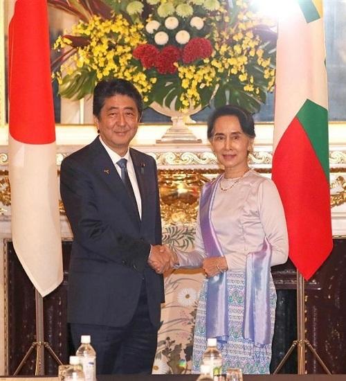 安倍晋三首相とアウン・サン・スー・チー氏が会談 8千億円規模の支援表明