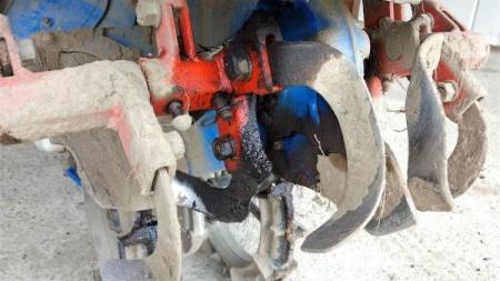16-5-10豆トラオイル漏れ1