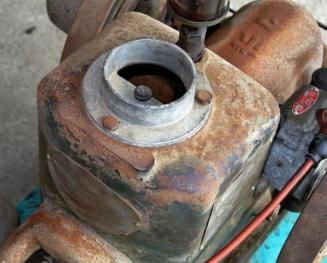 17-7-6発動機K水タンク