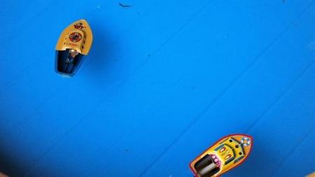 16-7-10おもちゃの蒸気船