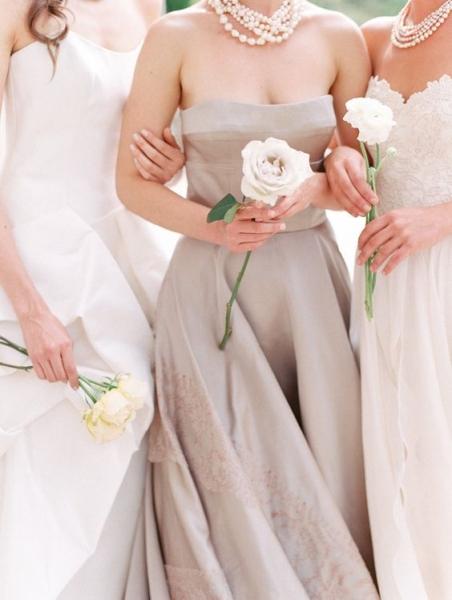 20-white-single-bloom-bouquets.jpg