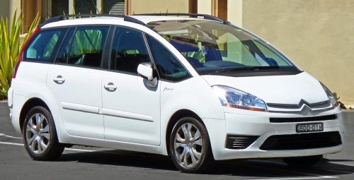 2007-2010_Citroën_C4_Picasso_wagon_(2011-03-08)_01