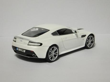 V12 Vantage (5)