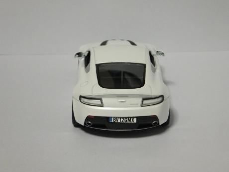 V12 Vantage (14)