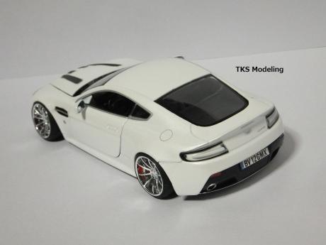 アストンマーティン V12 ヴァンテージ (4)