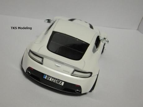 アストンマーティン V12 ヴァンテージ (6)