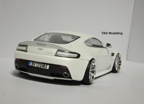 アストンマーティン V12 ヴァンテージ (7)