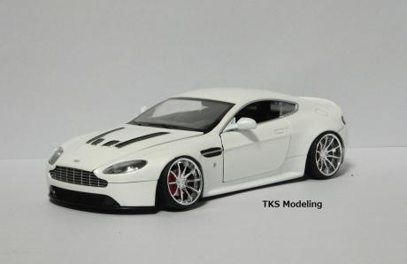 アストンマーティン V12 ヴァンテージ (12)