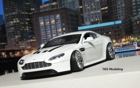 アストンマーティン V12 ヴァンテージ (22)