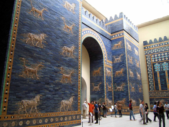 Ishtar_Gate_at_Berlin_Museum.jpg