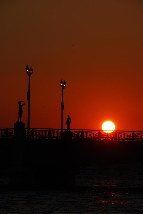 幣舞橋付近から夕日