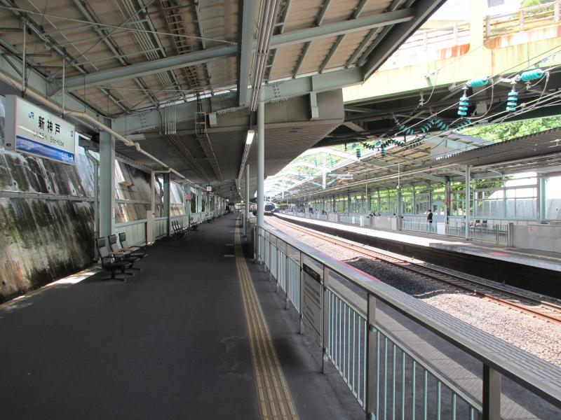 新神戸駅1番ホーム