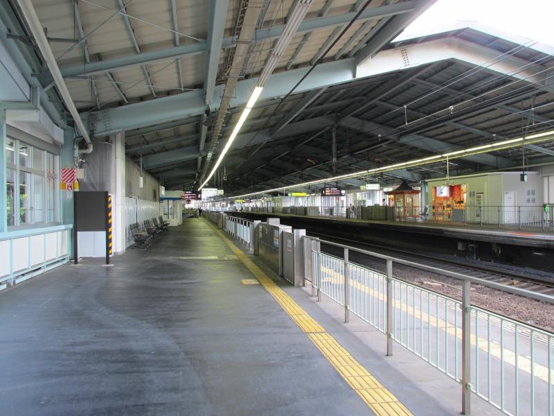 新神戸駅2番ホーム