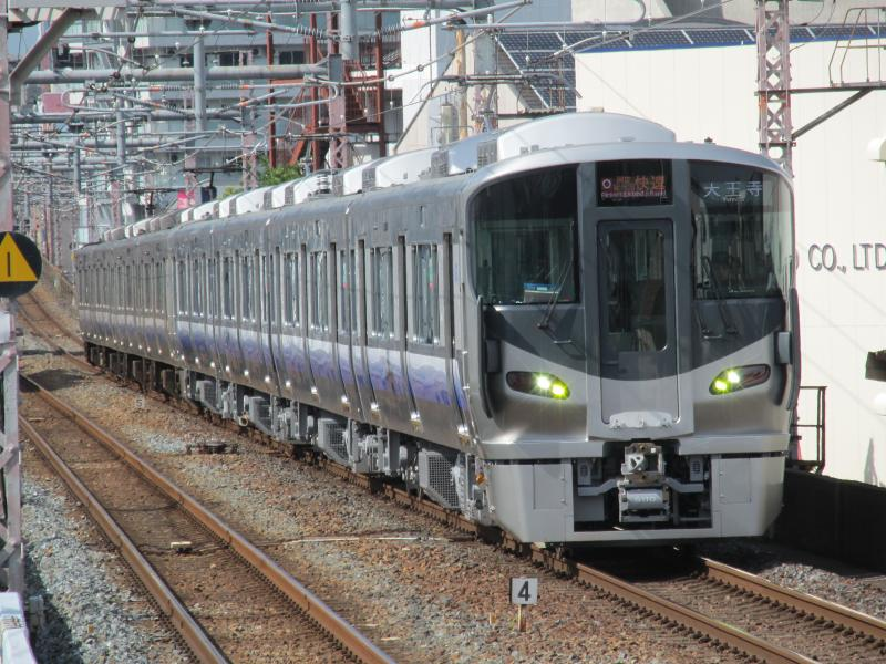 桃谷駅225系5100番台