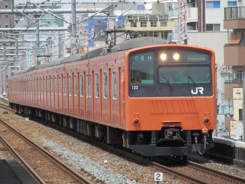 鶴橋駅201系