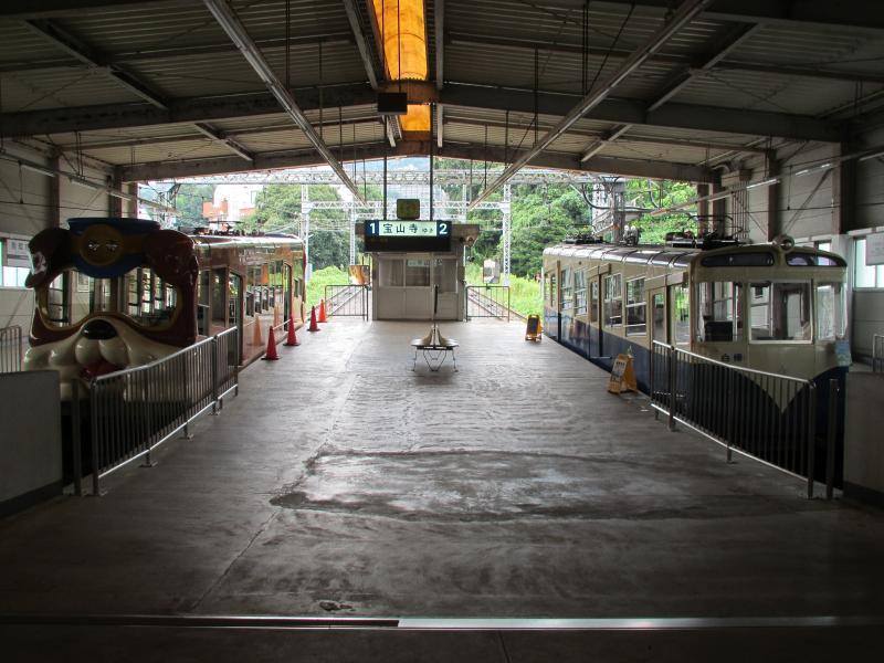 鳥居前駅2