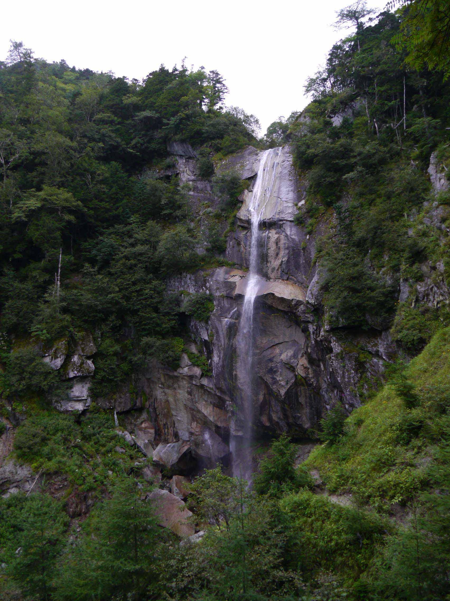5色の滝_160827