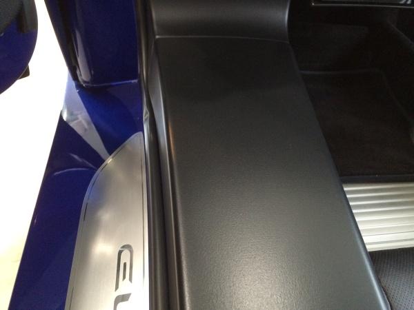 ステアリングエアバック、サイドシルカバー 色褪せ・塗装剥がれ補修 ロータスヨーロッパ
