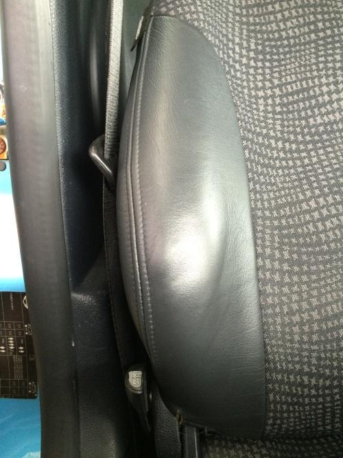レザーシート 破れ補修 BMWミニ