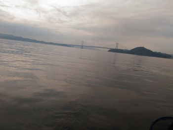 沖へ・・・