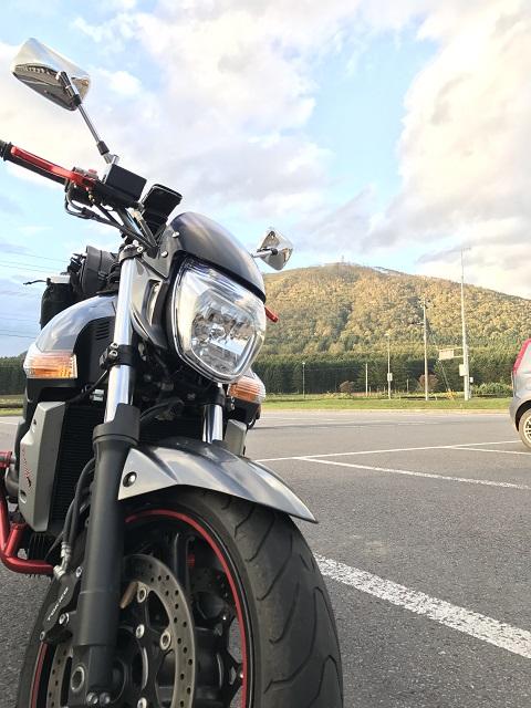 バイクと山