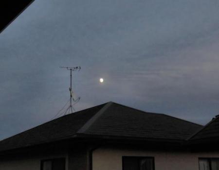 お月さん 001