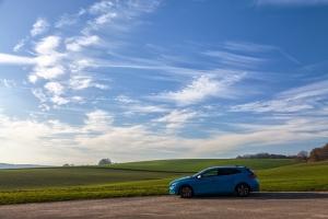 blue-car-1209666_960_720.jpg