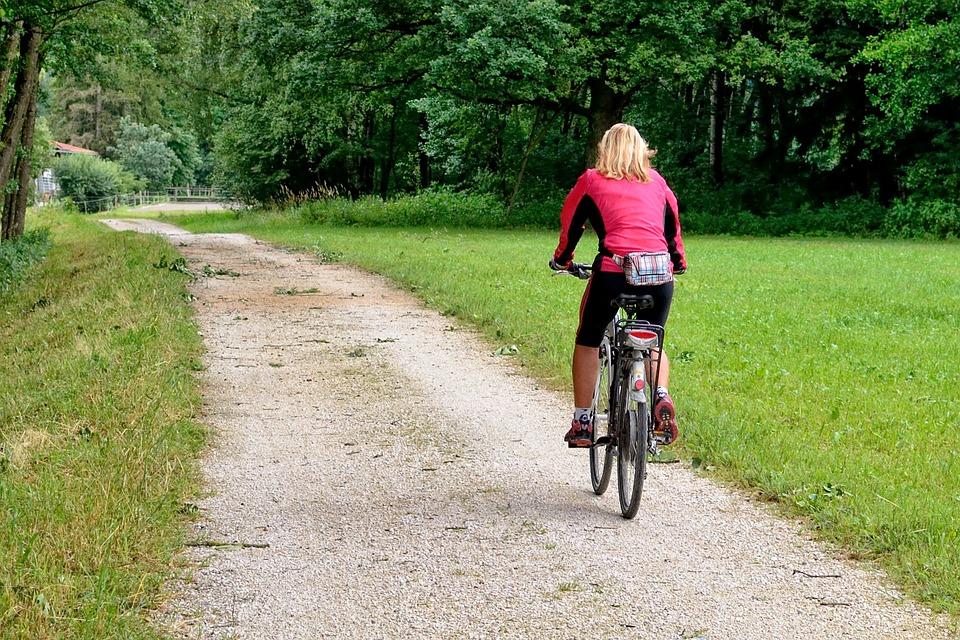 cycling-840975_960_720.jpg