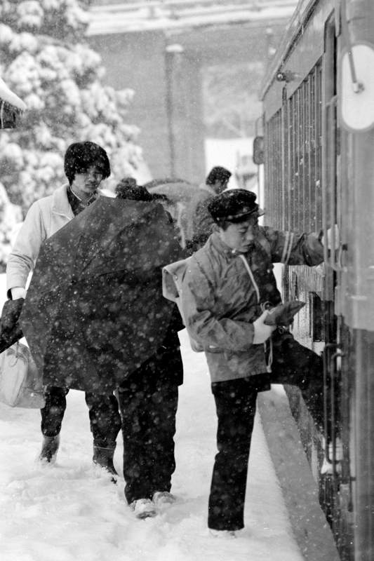蒲原鉄道 高松駅の朝2 1982年2月16日 16bitAdobeRGB原版 take1b