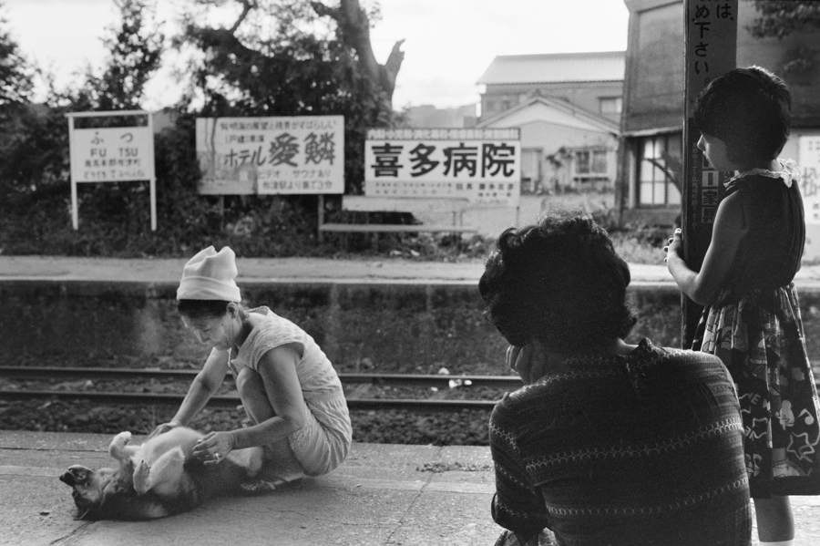 島原鉄道 布津ホーム1 198208 55mmF28_9720原版take1b