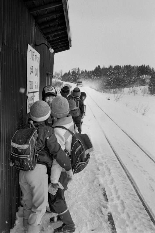 修正A3 南部縦貫鉄道 坪川駅の小学生2 198年2月 日 16bitAdobeRGB原版 take2b