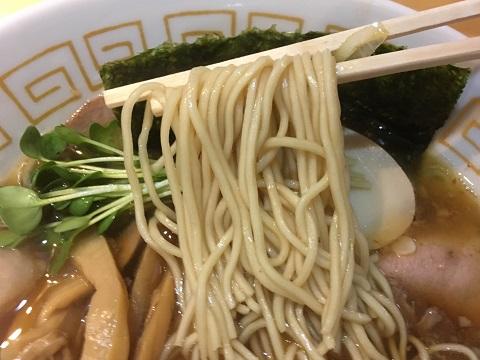 醤油麺アップ