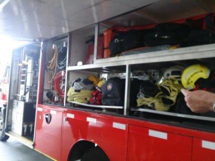 消防車の装備品2